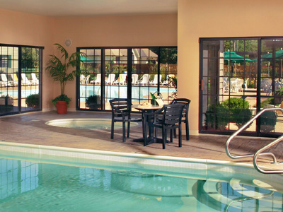 Falls village branson indoor pool midwest vacation rentals for Branson mo cabins with indoor pool